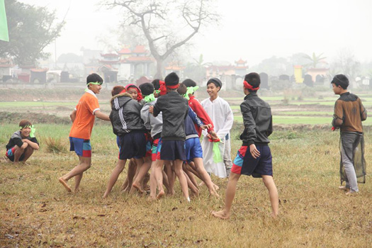 Độc đáo trò chơi dân gian Vật Cù trong Lễ hội đền Phù Ủng