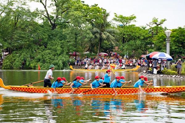 Thi bơi trải là một phần của lễ hội truyền thống tại Hưng Yên