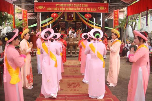 Lễ hội đền Thiên Hậu